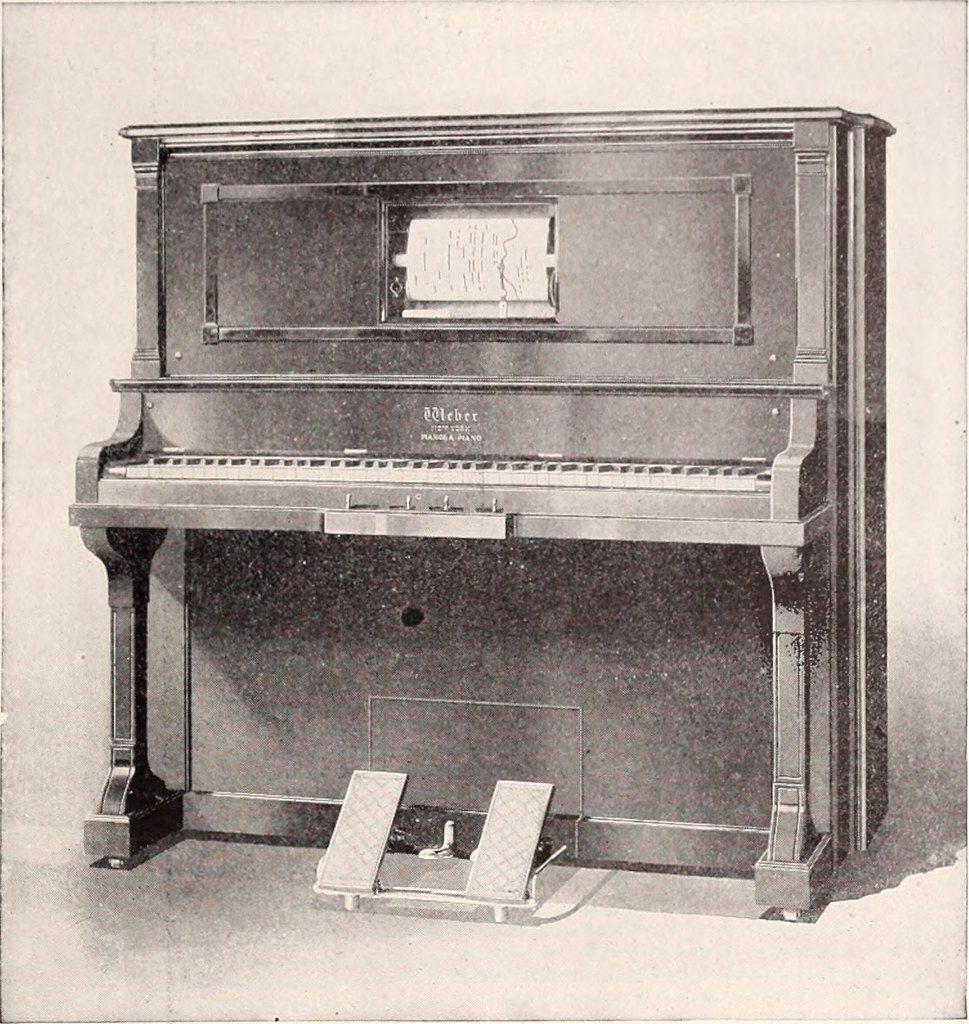 Pianola, o piano automatico.
