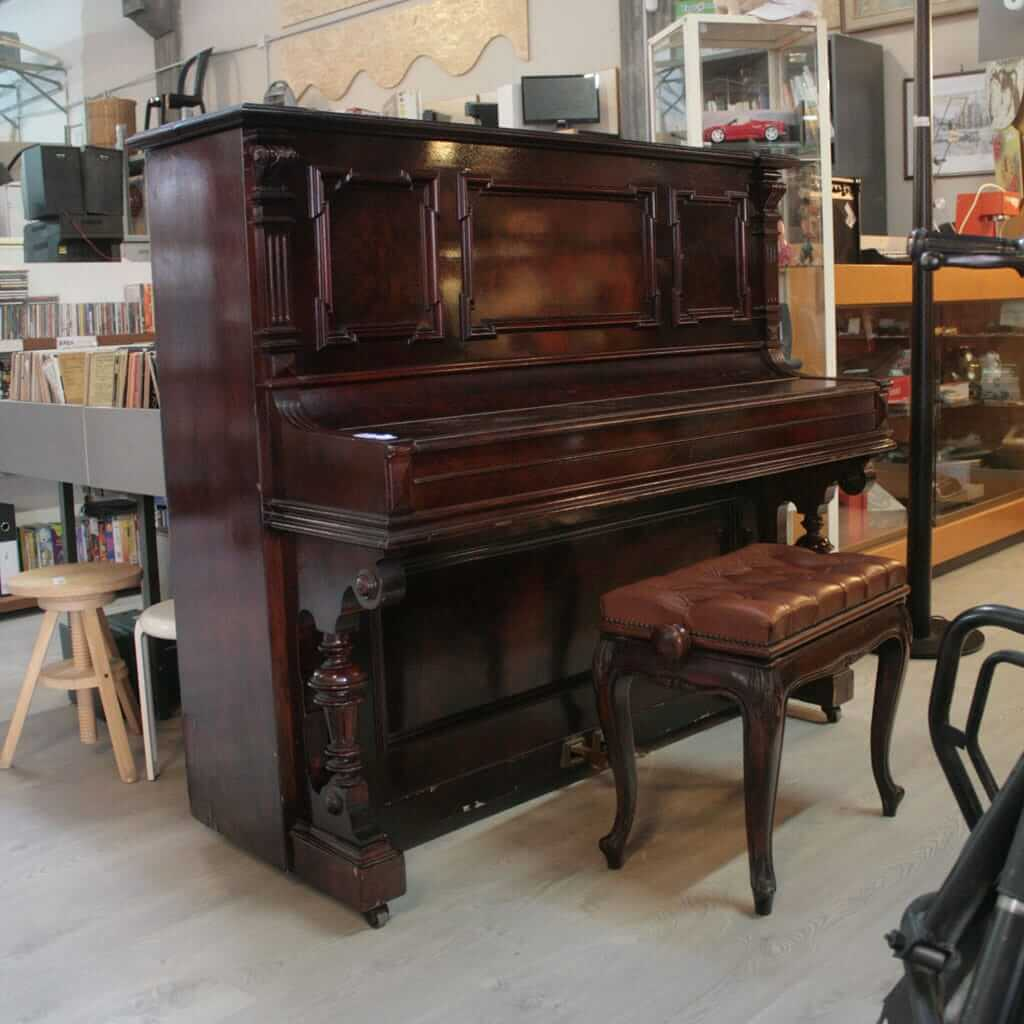 sgabello pianoforte