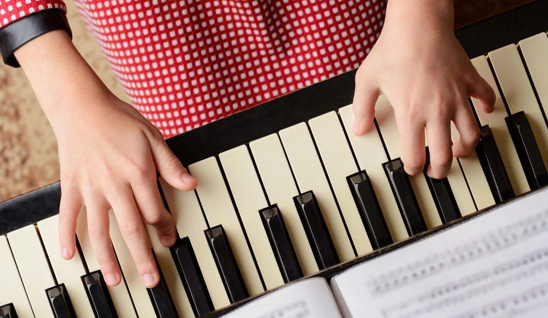 """Come sarebbe la """"quarantena"""" senza un pianoforte in casa?"""